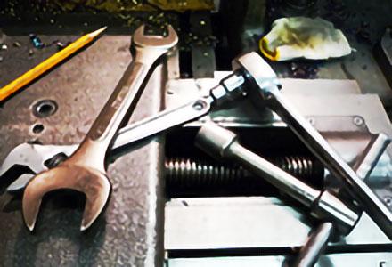 作業工具/作業機械用冶工具