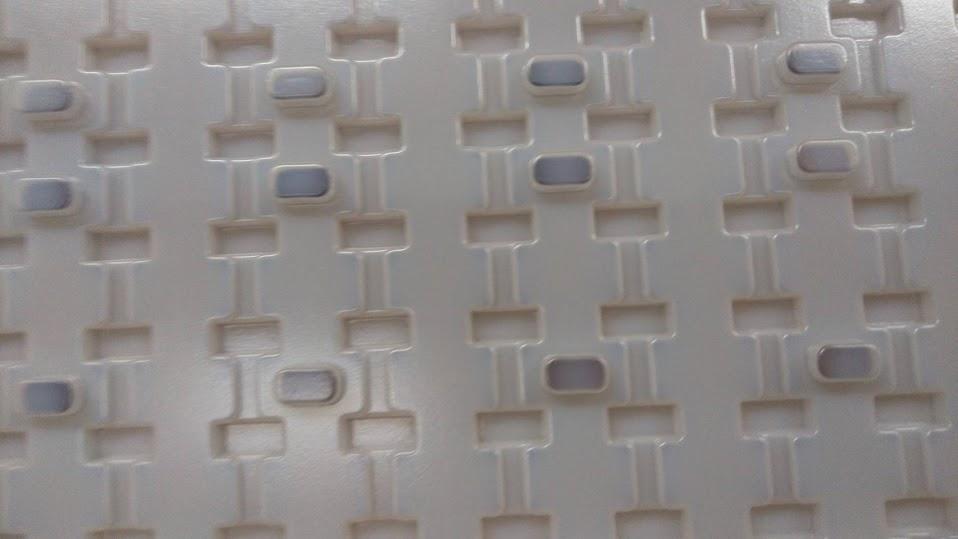 パーツ納品用専用トレイ製作(日立案件)